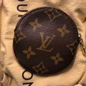 Louis Vuitton Round Colin Purse